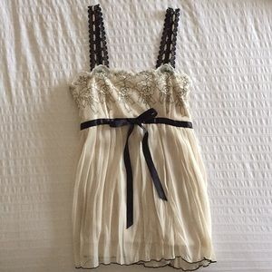 Tops - NWOT Cream & Black Tank w/ Lace & Flower Pattern